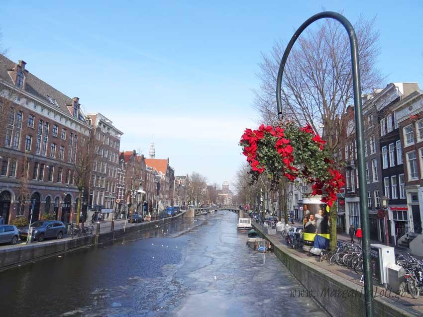 Άμστερνταμ... Ποδήλατα, τουλίπες και μουσεία...