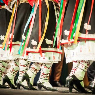 9 άγραφοι κανόνες για παραδοσιακό Savoir χορεύειν