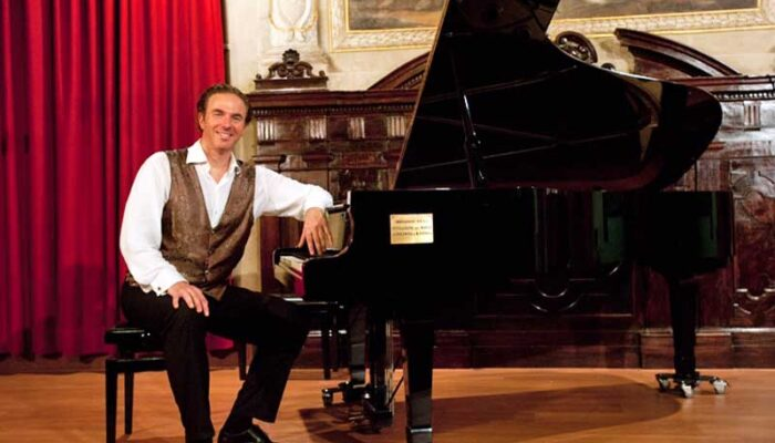 Valzer di Bologna: Συνέντευξη με τον Neville Jason Fahy