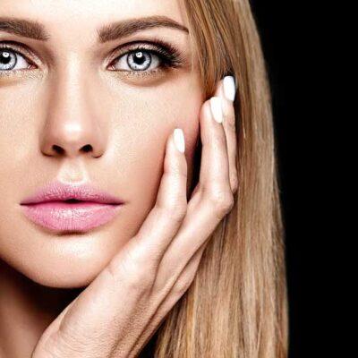 Επαγγελματικά tips μακιγιάζ για φρέσκο, νεανικό look